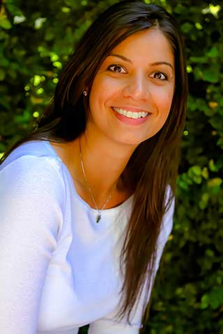 Ayesha Lakhani, LPC-S, RPT-S, NCC, CART, Professional Counselor / Therapist in Texas