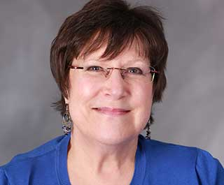 Vicki Eaton, LCSW, MRE, BCC, Therapist in Schaumburg